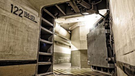 Tür eines Bunkers (Symbolbild)